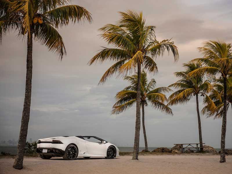 Critics' Notebook: The 2016 Lamborghini Huracan Spyder ...
