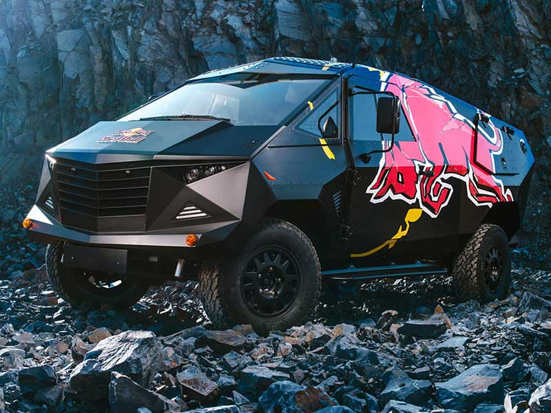 "Meet Red Bull's ""Armored Moon Vehicle"" Land Rover Defender ..."