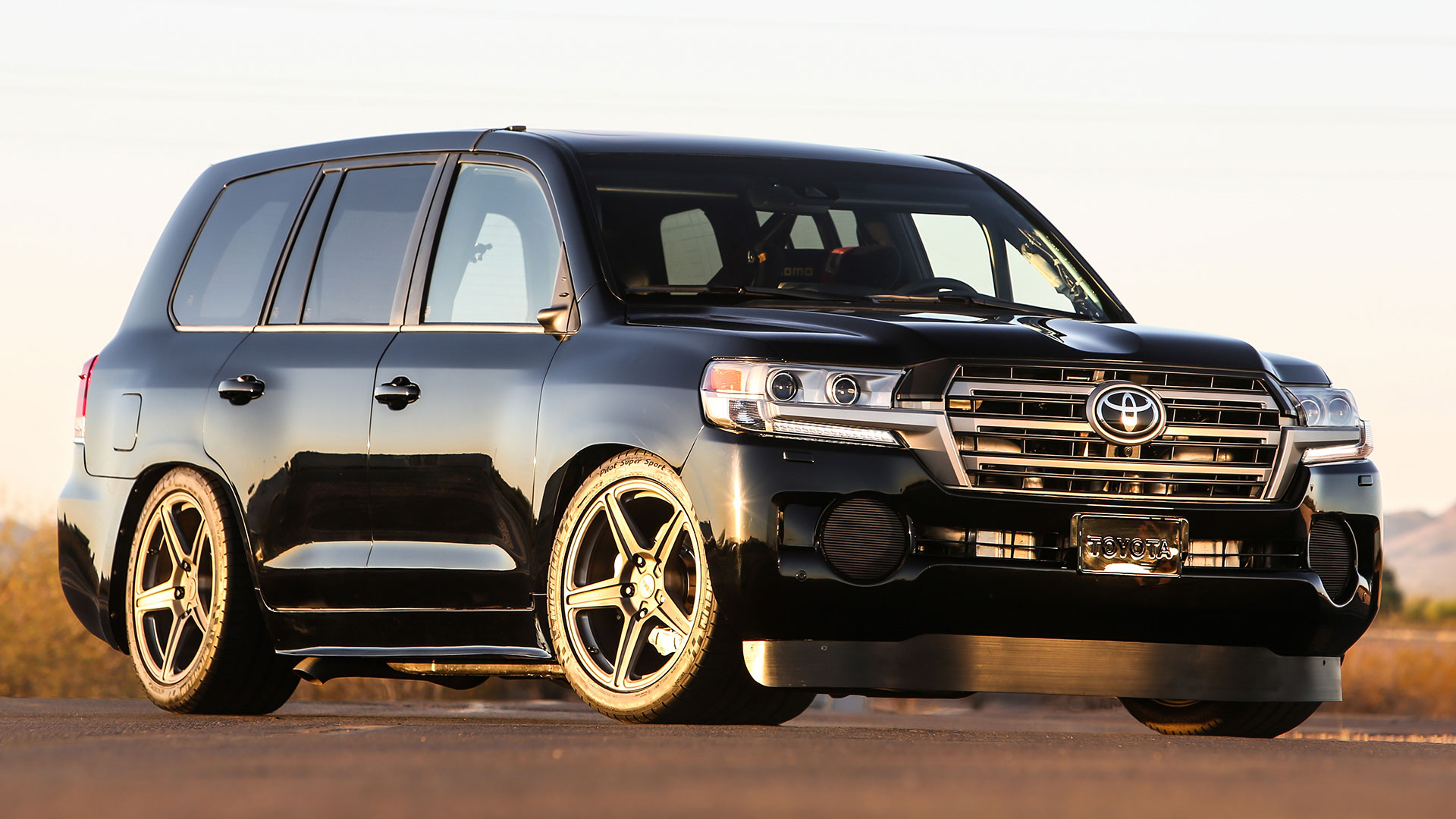toyota built a 2 000 hp 220 mph land cruiser for sema the drive https www thedrive com news 5815 toyota built a 2 000 hp 220 mph land cruiser for sema